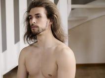 человек без рубашки Стоковая Фотография RF