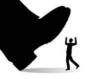 Человек ботинка гигантский и маленький Стоковые Фотографии RF