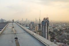 Человек вверху башня Стоковое Изображение