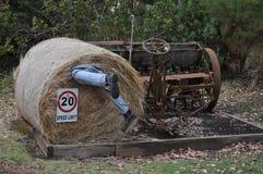 Человек вставленный в связке сена соломы Стоковые Изображения RF