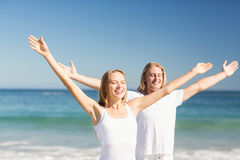 человек выполняя йогу женщины Стоковые Фото