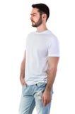Человек в модель-макете футболки стоковое изображение