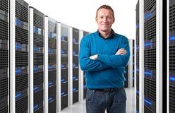 Человек в datacenter стоковые изображения rf