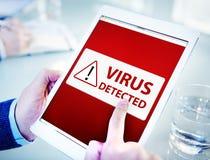 Человек используя таблетку цифров с вирусом Стоковые Изображения