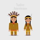 Человек и женщина в костюме коренного американца Стоковое Фото