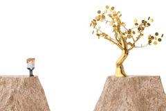 Человек и золотое дерево с обеих сторон скалы illustrati 3d Стоковая Фотография RF