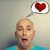 Человек и речь чертежа клокочут с красными сердцами Стоковые Фотографии RF