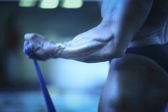 Человек культуриста мышечный Стоковые Фото