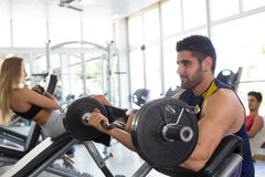 Человек на гимнастике Стоковая Фотография RF