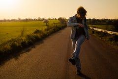 Человек на дороге Стоковые Изображения