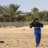 Человек на пустыне стоковое фото