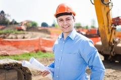 Человек на работе в строительной площадке Стоковые Фотографии RF
