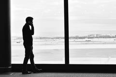 Человек на телефоне Стоковые Фотографии RF