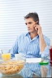Человек на телефонном звонке Стоковая Фотография RF