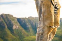 Человек на холме стоковое изображение