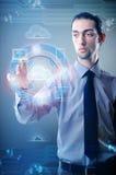 Человек отжимая кнопки в концепции облака вычисляя Стоковое Изображение RF