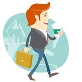 Человек офиса битника идя и держа кофе и портфель внутри Стоковые Изображения