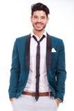 Человек одеванный с улыбкой Стоковое Фото