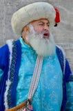 Человек одетый как тахта стоковое изображение