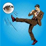 Человек пиная шарик с ценой имени Vector иллюстрация в шуточном стиле искусства шипучки ретро Бой бизнесмена финансовый Стоковые Фотографии RF