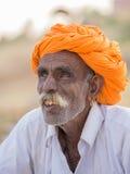 Человек портрета индийский присутствовал на ежегодном верблюде Mela Pushkar Индия Стоковое фото RF