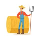 Человек при вилка стоя рядом с стогом сена, фермер работая на ферме и продавая на естественном органическом товарном рынке иллюстрация штока