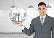 Человек при открытая рука ладони держа глобус земли мира Стоковая Фотография