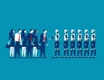 Человек против робота, бизнесменов стоя с роботом Busin концепции Стоковая Фотография