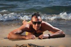 человек пляжа красивый Стоковые Изображения RF