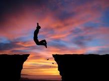 Человек скачет Стоковые Изображения RF