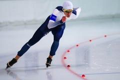 человек скорости 500 m катаясь на коньках Стоковое Изображение RF