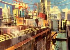 Человек стоя на крыше Стоковые Изображения RF