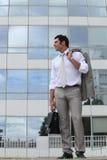 Человек с его портфелем стоковые фото