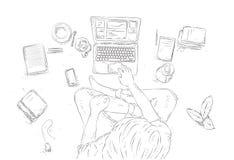 Человек с компьтер-книжкой дома, сидящ на поле Вручите вычерченную иллюстрацию контура, взгляд сверху молодого человека на белой  Стоковое фото RF