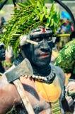 Человек с осью в Enga Стоковое фото RF