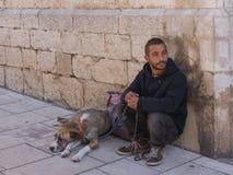 Человек с собакой Стоковая Фотография RF