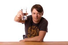 Человек с стеклом воды Стоковое фото RF