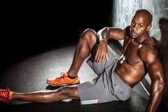 Человек фитнеса мышцы Стоковое фото RF