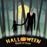 Человек хеллоуина худенький высокорослый с девушкой в лесе Стоковые Изображения