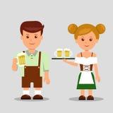 Человек Oktoberfest и женщина держа пиво Стоковое Изображение