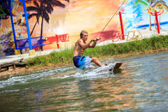 Человек Wakeboarding Стоковое Фото