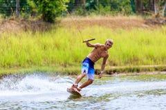 Человек Wakeboarding Стоковое Изображение