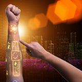 Человеческая робототехническая рука в футуристической концепции Стоковые Фотографии RF
