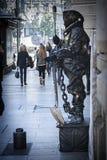 Человеческая статуя в Gran через наблюданный wayfarers, Гранадой, Стоковые Фото