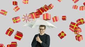 Человеческий человек персоны которые не любят настоящие моменты подарков праздников празднует концепцию рождества и потехи сток-видео