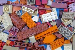 Чиангмай, ТАИЛАНД - 27-ое мая 2018: Lego линия пластмассы c Стоковые Изображения RF