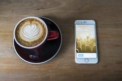 ЧИАНГМАЙ, ТАИЛАНД - 23-ЬЕ ИЮЛЯ 2015: Человек пробуя к упреку имени пользователя Стоковые Фотографии RF