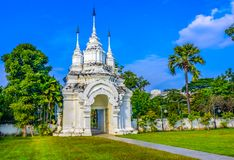Чиангмай, Таиланд: Wat Suan Dok Chedis, буддийский висок, Wat i Стоковая Фотография RF