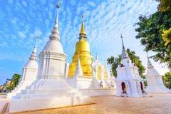 Чиангмай, Таиланд: Wat Suan Dok Chedis Стоковые Фотографии RF