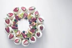 Чизкейк коттеджа плодоовощ ягоды Стоковые Фотографии RF